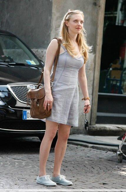 Amanda Seyfried In Short Cloths Pictures