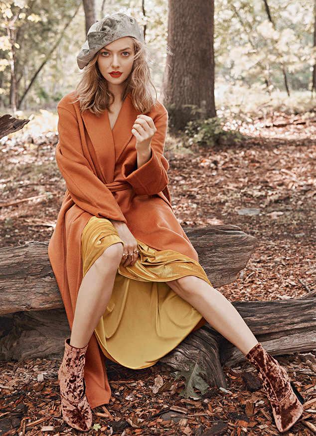 Amanda Seyfried Sexy Legs Showing Pics
