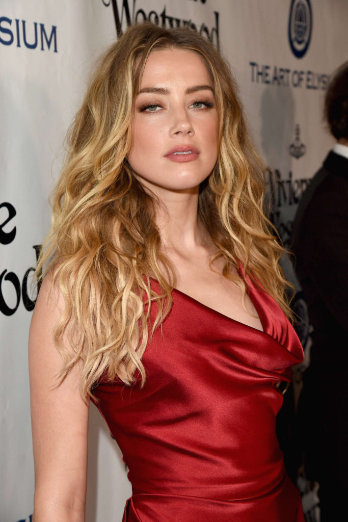 Amber Heard At Award Show HD Images