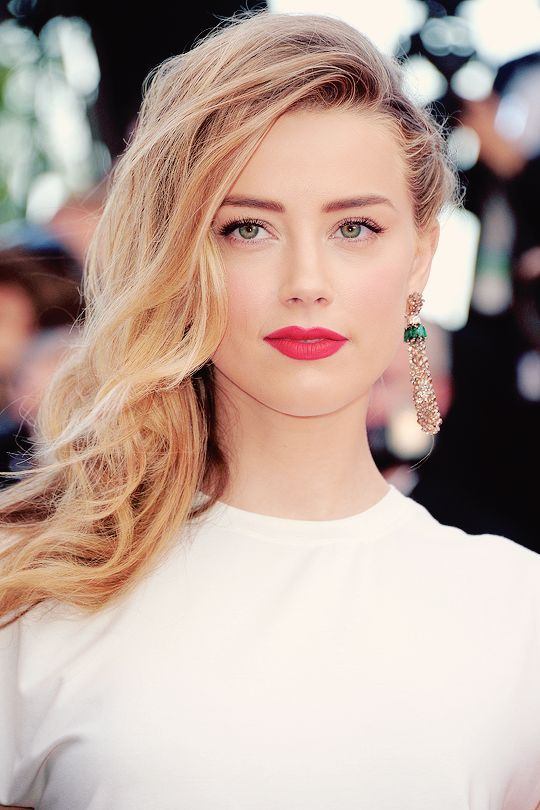 Amber Heard Hot Photos Gallery HQ