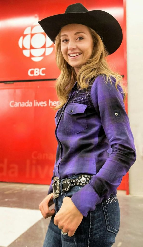 Amber Marshall Cute & Latest Images With Hat