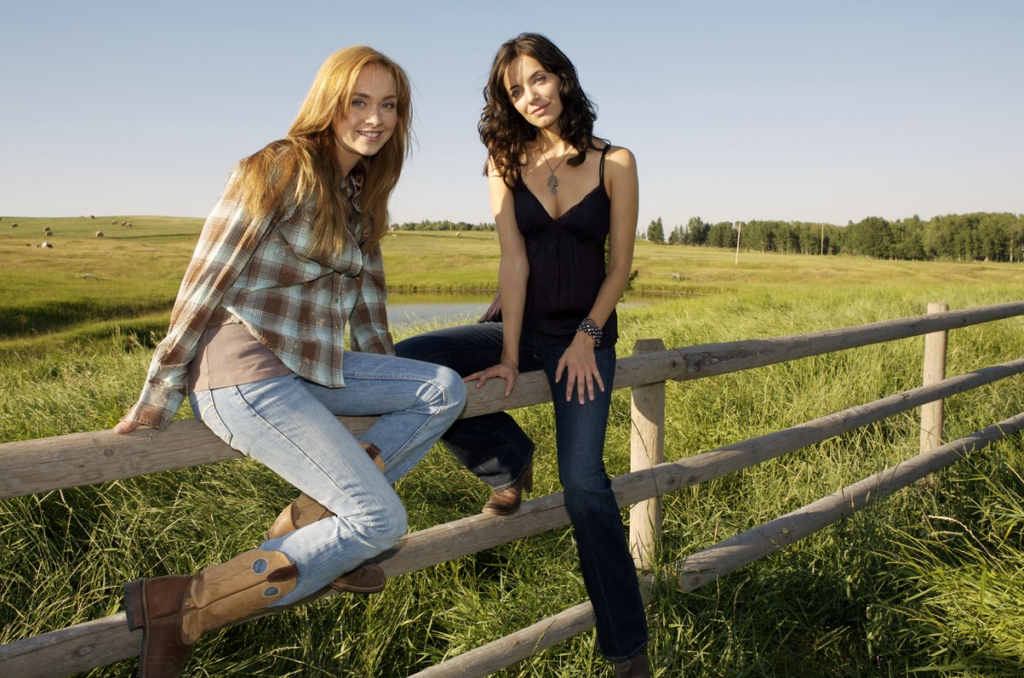 Amber Marshall Pics With Cute Girl