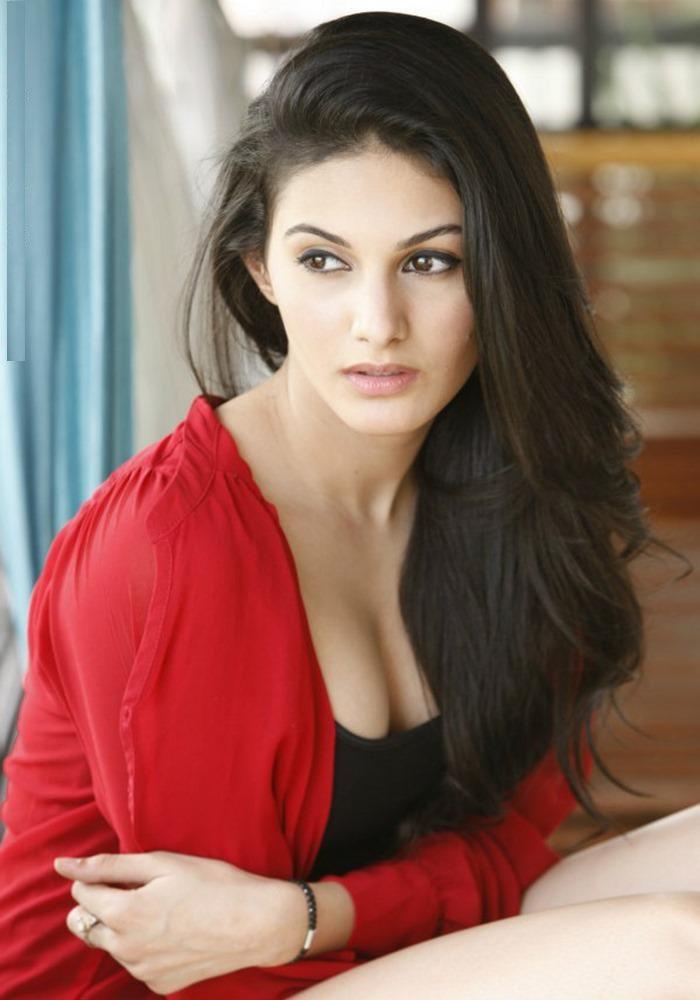 Amyra Dastur Charming Images