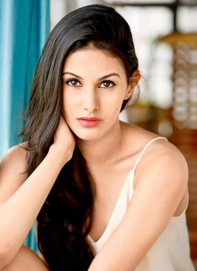 Amyra Dastur Upcoming Movie Look Pictures
