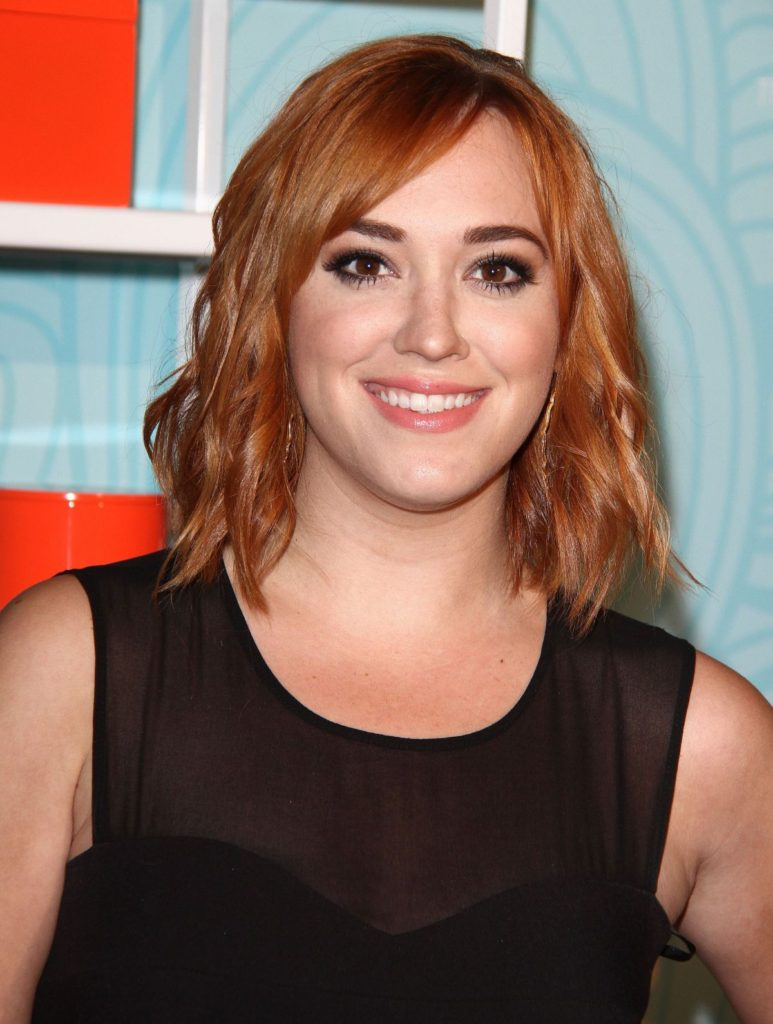 Andrea Bowen Beautiful Wallpapers