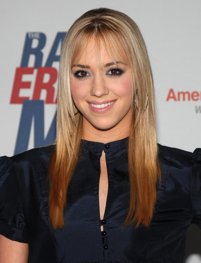 Andrea Bowen Cute & Nice Wallpapers