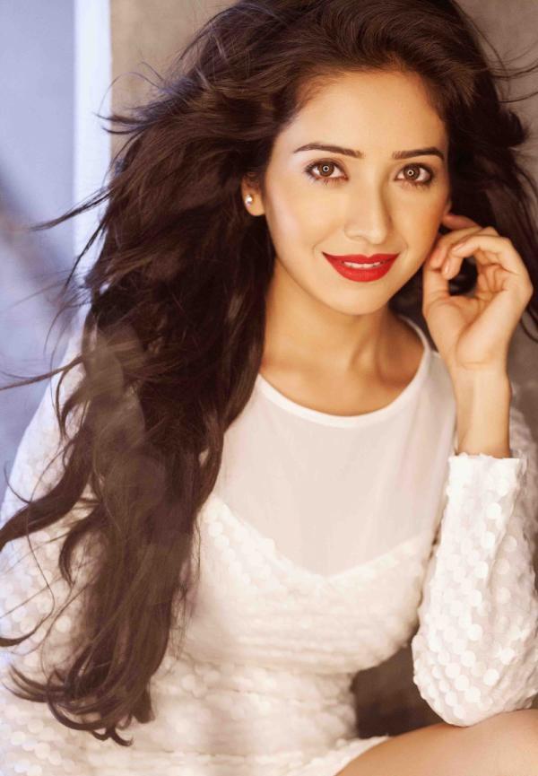 Asha Negi Latest Style Images
