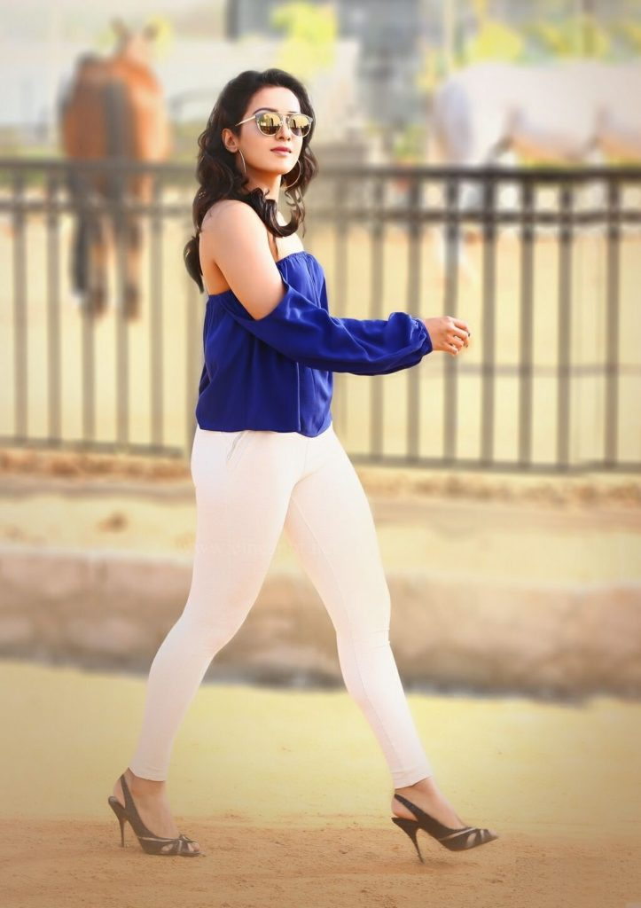 Bold Catherine Tresa Cute Wallpapers