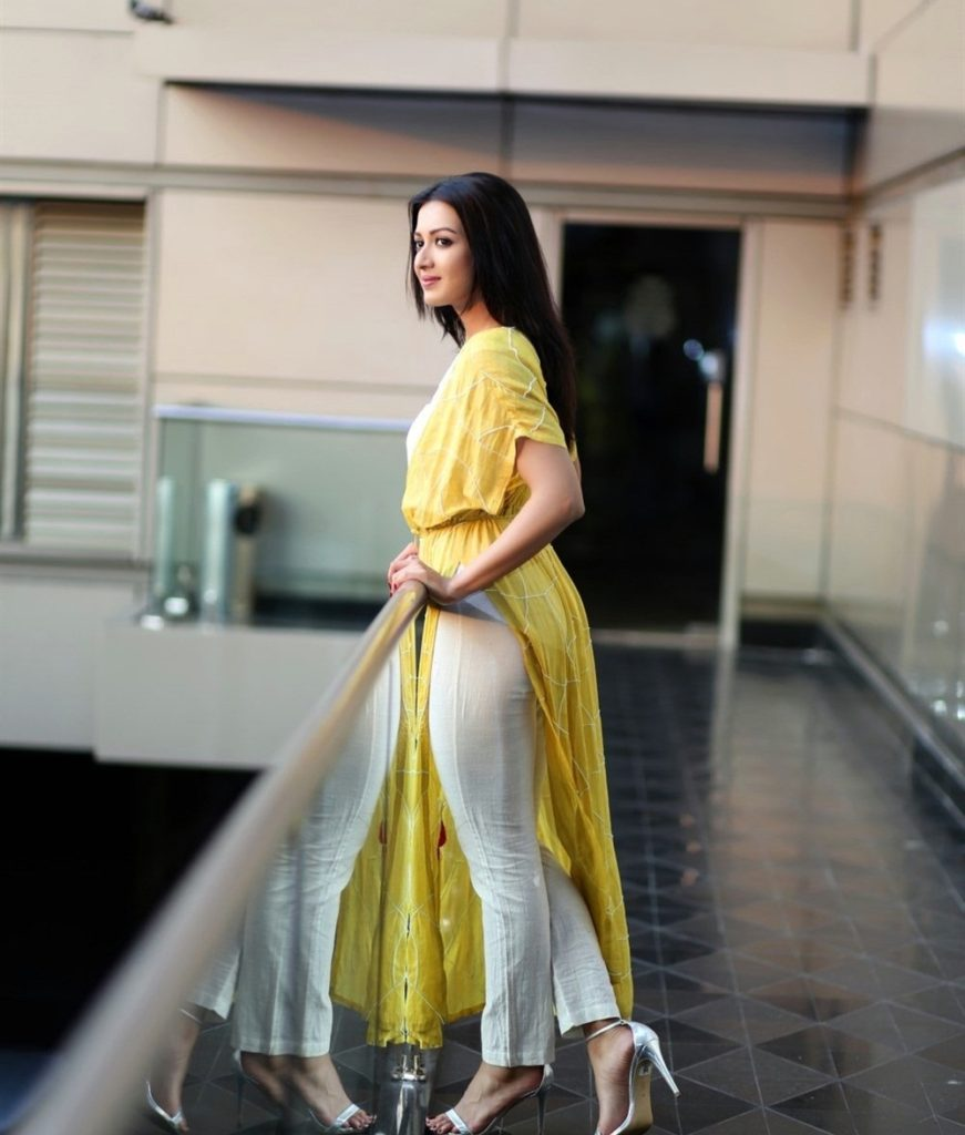 Bombastic Catherine Tresa New Look Images