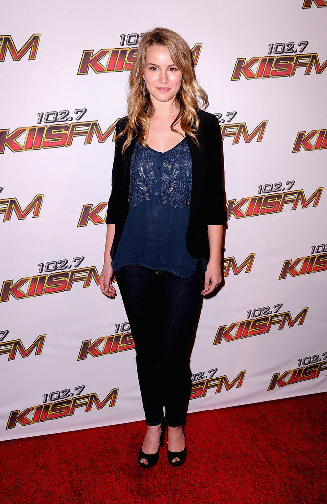 Bridgit Mendler In Jeans Top Full HD Wallpapers