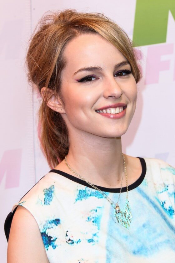 Bridgit Mendler Smileing Pics At Award Show HD