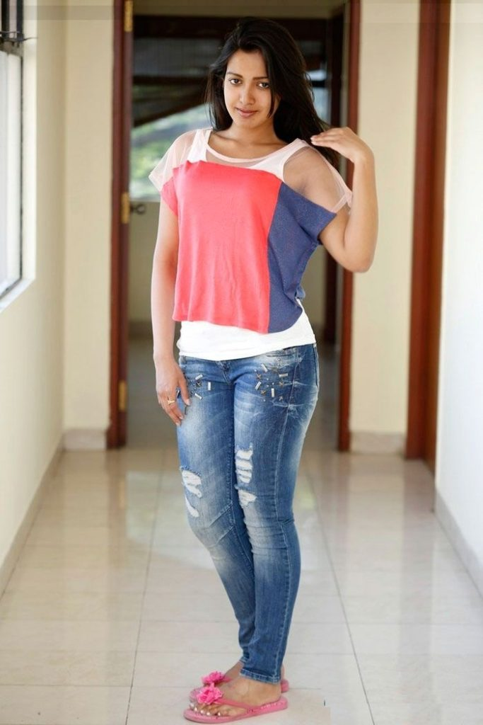 Catherine Tresa Cute Images In Jeans Top