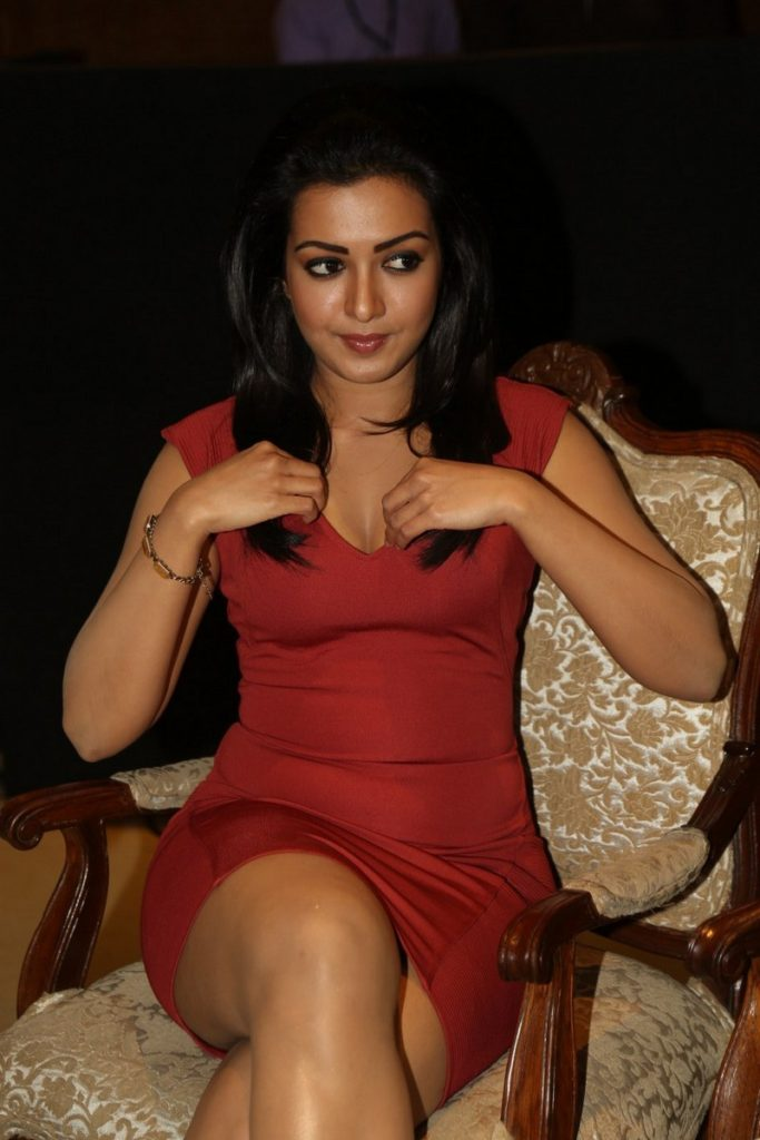 Catherine Tresa Hot Boobs Showing Images
