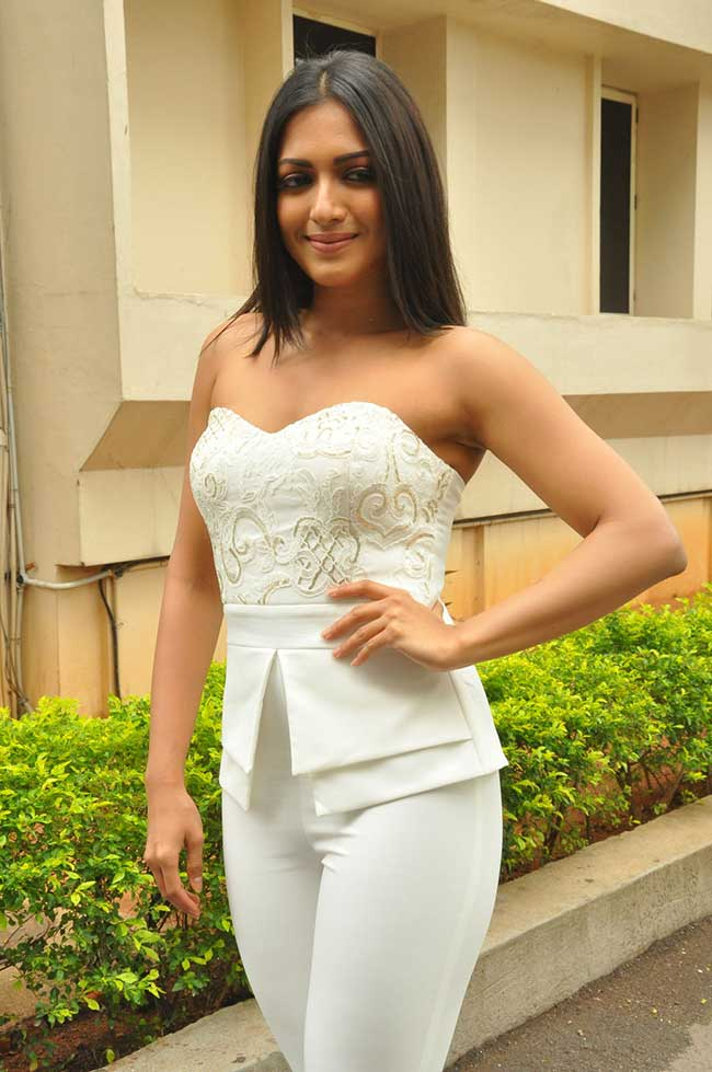 Catherine Tresa Latest Hair Style Wallpapers