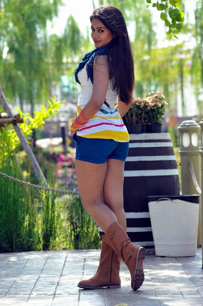 Catherine Tresa Pics In Bra Panty