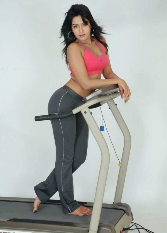 Catherine Tresa Pictures At Gym