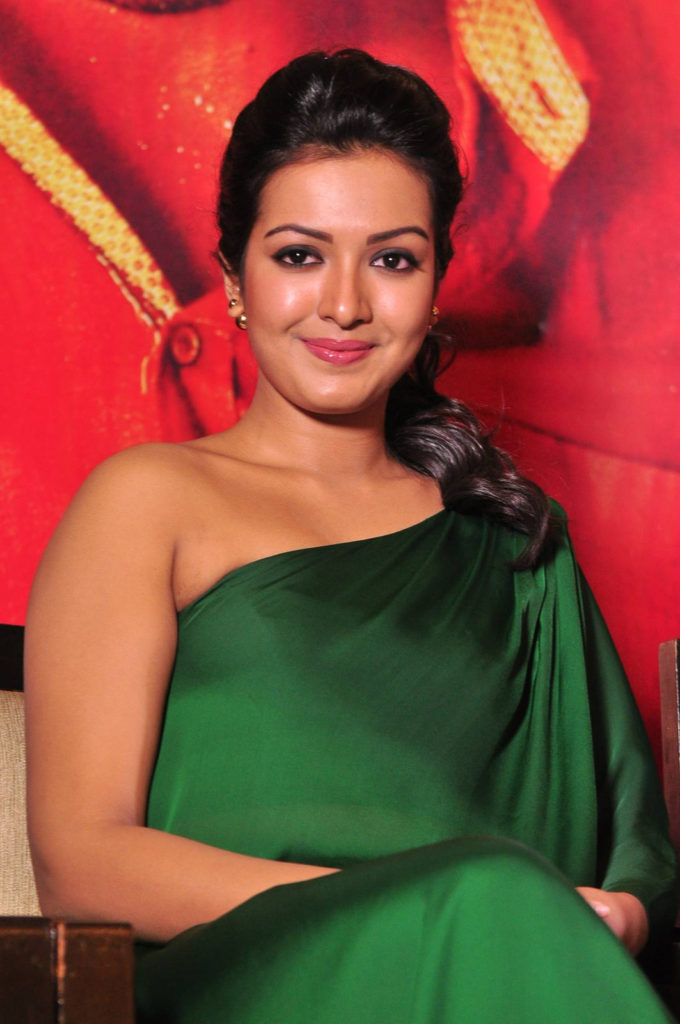 Catherine Tresa Sweet Smile Images At Award Show
