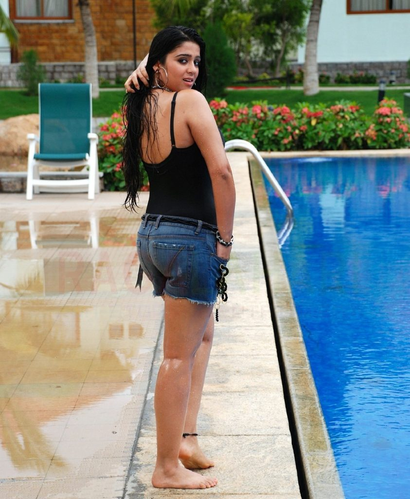Charmy Kaur Scenic Wallpapers