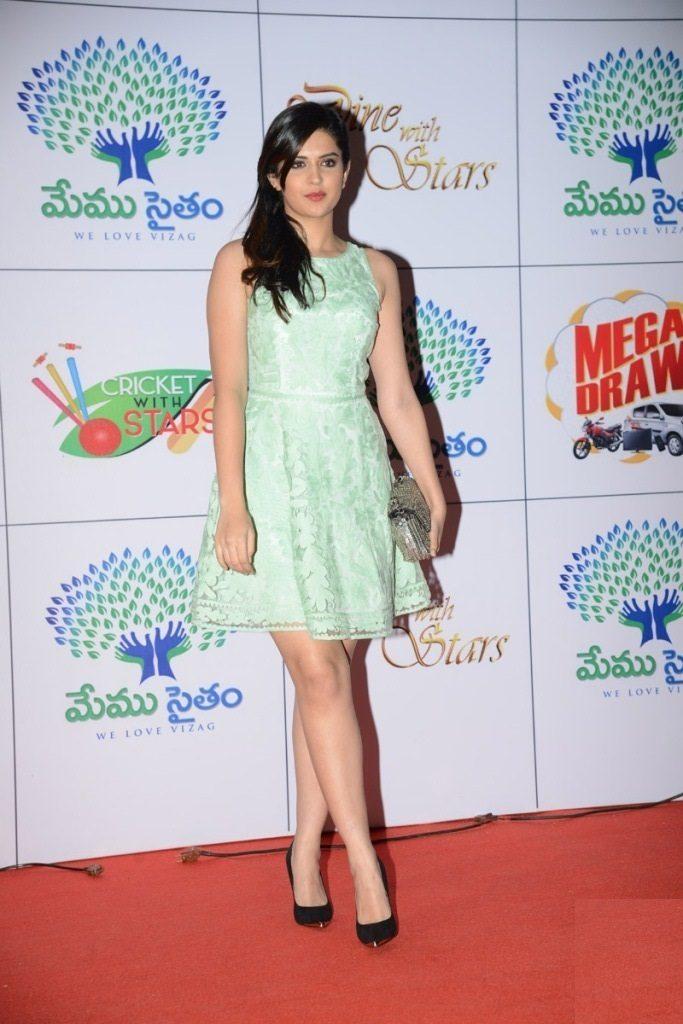 Deeksha Seth Photos For Profile Pics