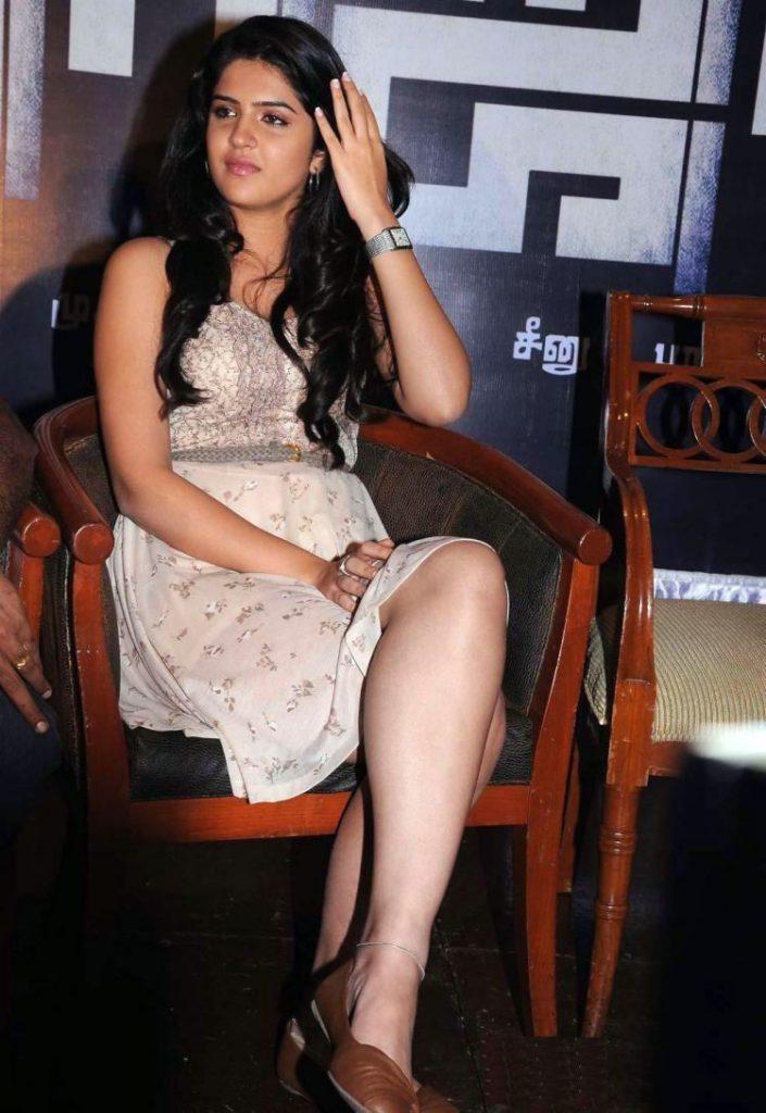 Deeksha Seth Sexy Legs Images At Award Show