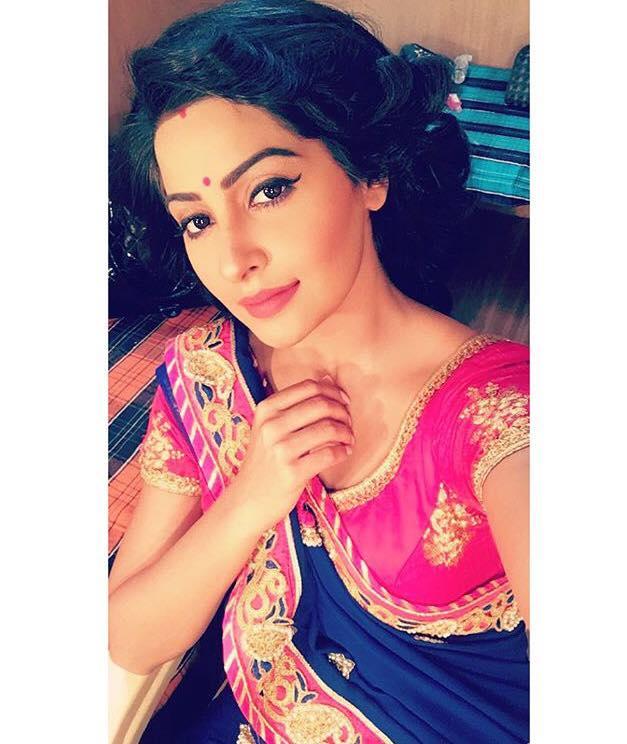 Gorgeous Yukti Kapoor Photoshoots HD