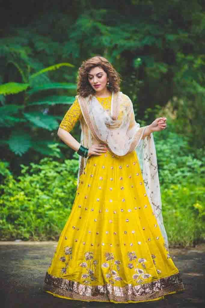 Hansika Motwani In Yellow Cloths Pics Full HD
