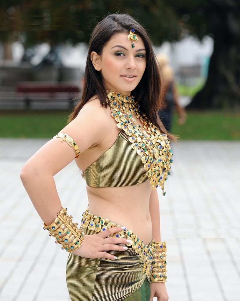 Hansika Motwani Sexy Navel Pics In Short Cloths