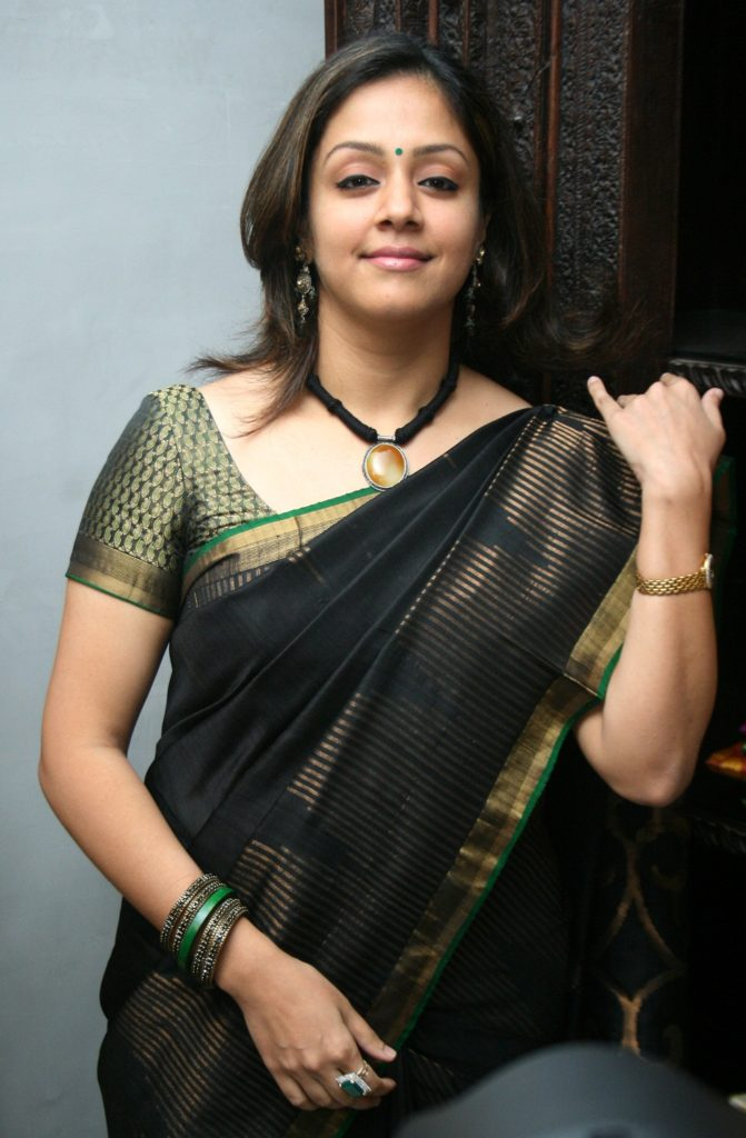 Jyothika Beautiful Images In Saree
