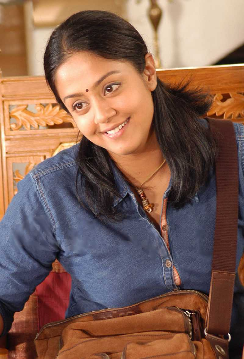 Beautiful Jyothika Hot Full HD Pictures, Spicy Images
