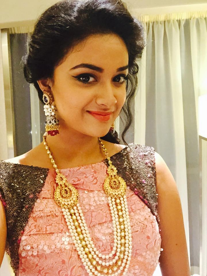 Keerthy Suresh Latest Hair Style Wallpapers