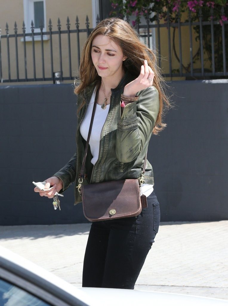 Madeline Zima Walking HD Images