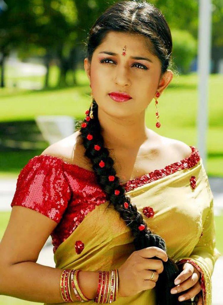 Meera Jasmine Images In Saree