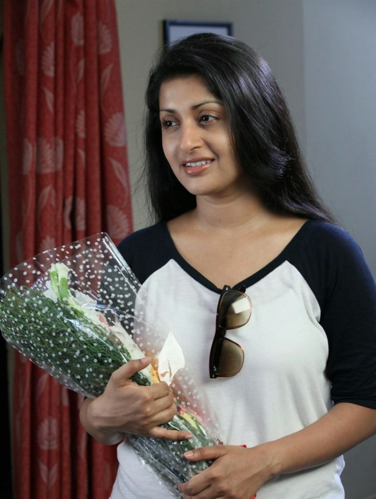 Meera Jasmine Sexy Images For Profile Pics