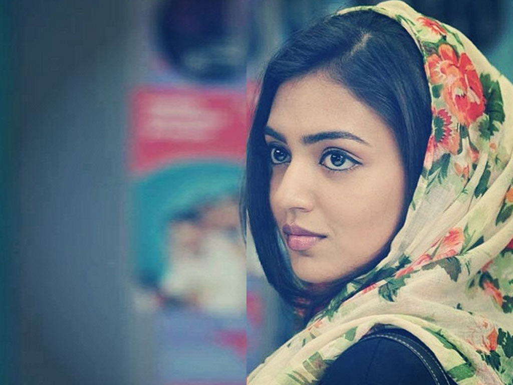 Nazriya Nazim Sizzling Wallpapers