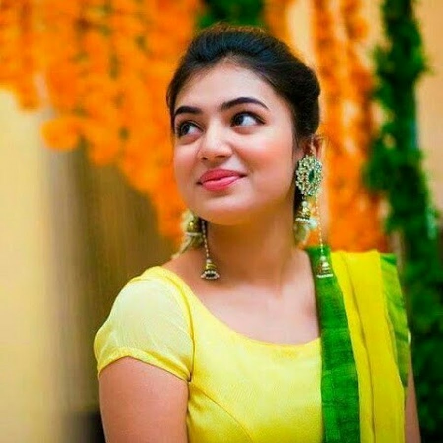 Nazriya Nazim Sweet Smile Images