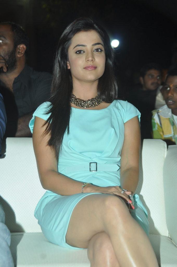Nisha Agarwal Sexy Legs Imags At Award Show