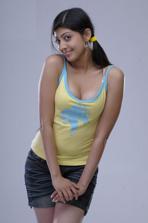 Pranitha Hot & Sexy Unseen Wallpapers HD