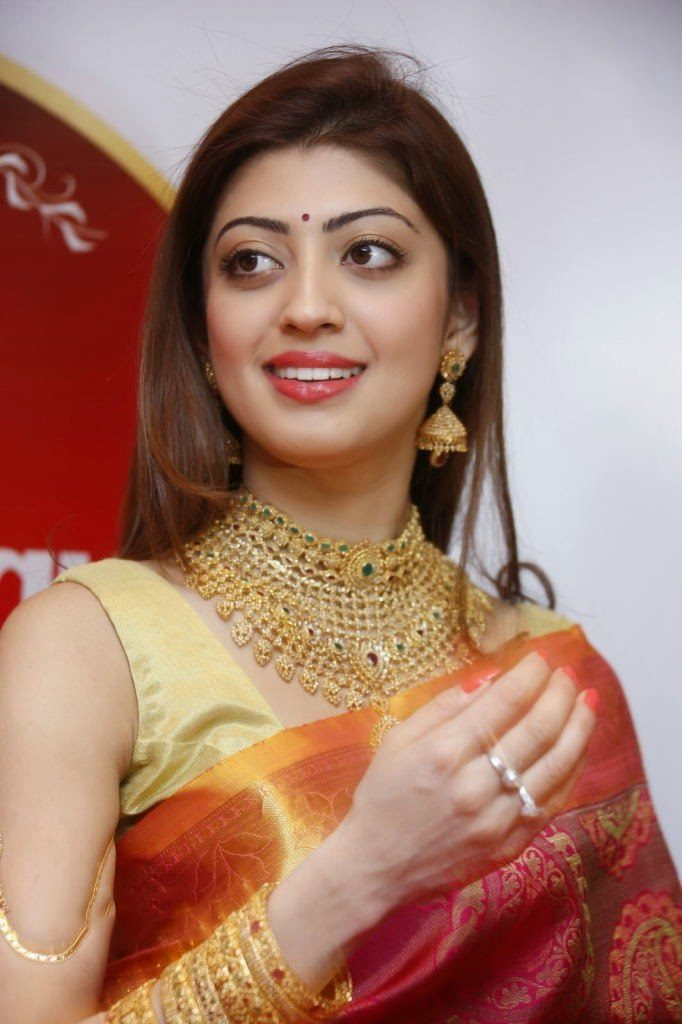 Pranitha Images For Profile Pics