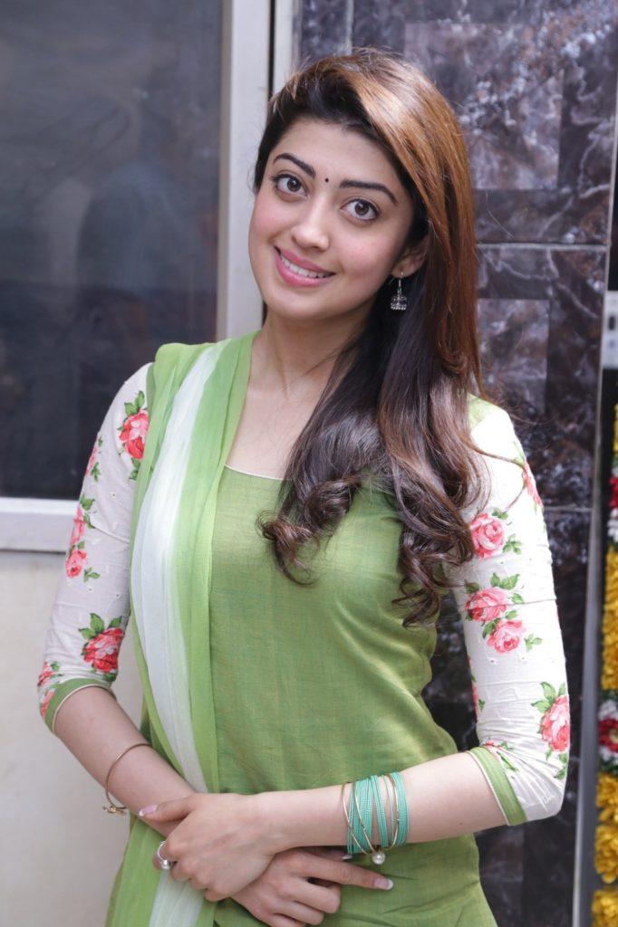 Pranitha Latest Hair Style Images