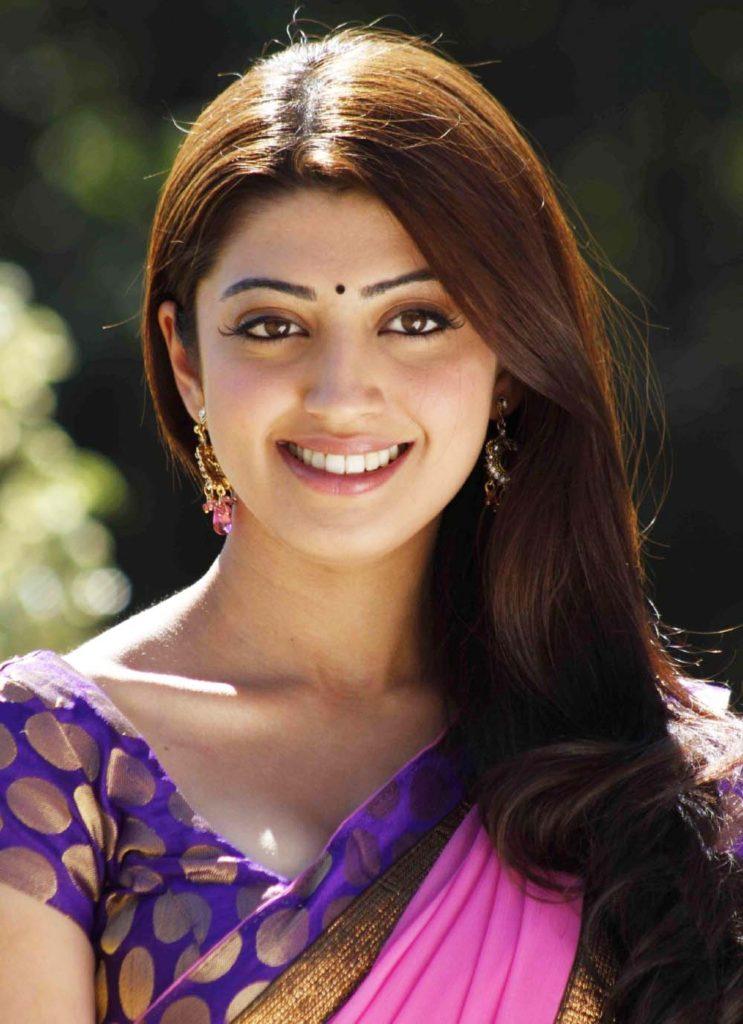 Pranitha Royal Look Images