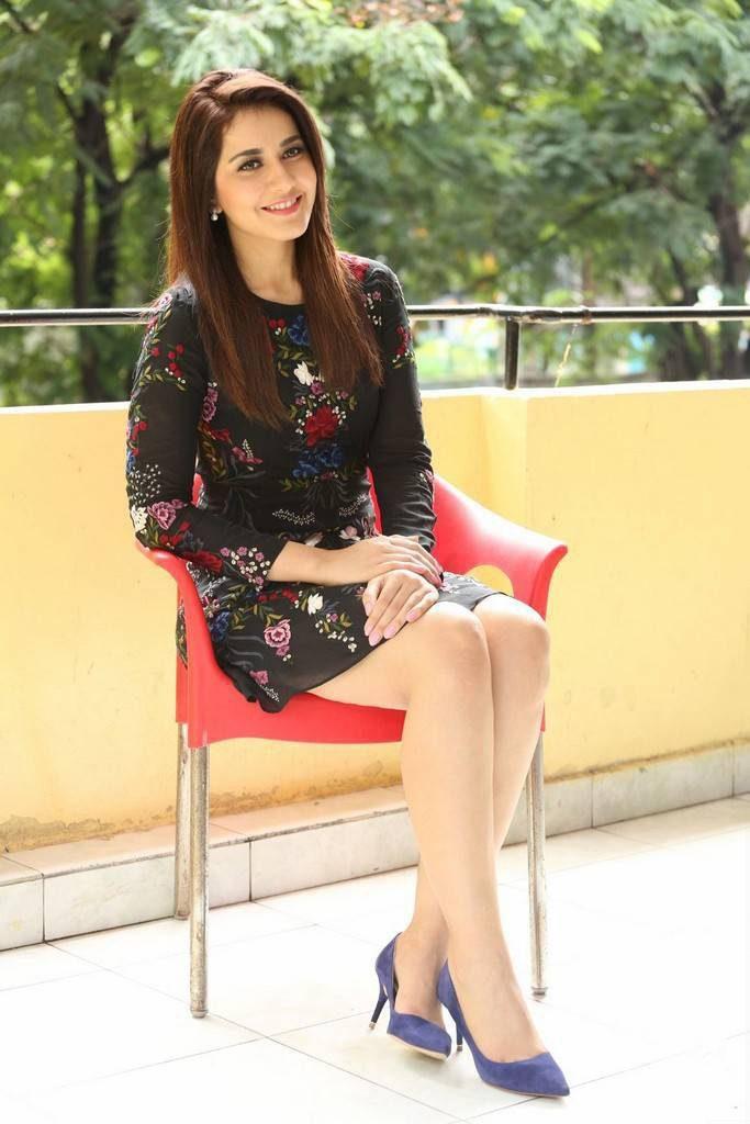 Raashi Khanna Latest Hair Style Images