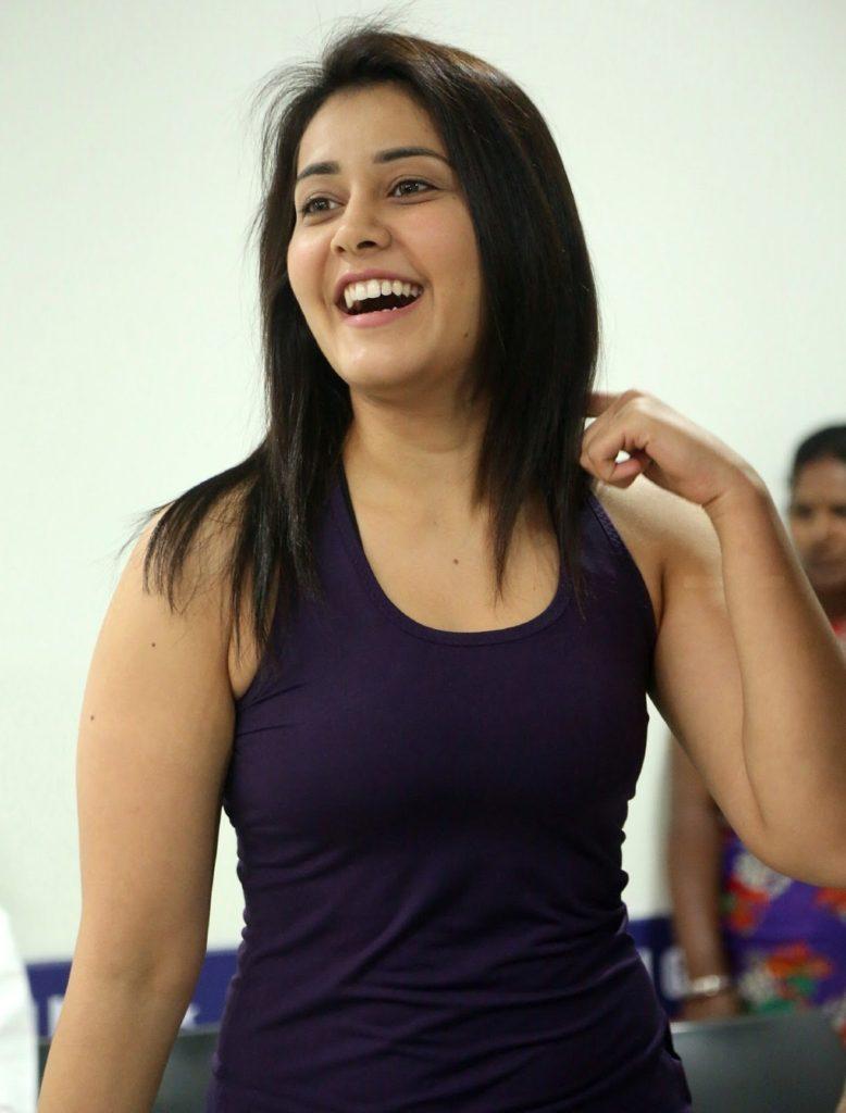 Raashi Khanna Sweet Smile Images