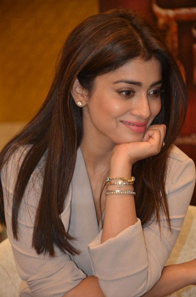 Shriya Saran Cute Smile Pictures
