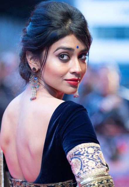 Shriya Saran In Backless Clothes Pics
