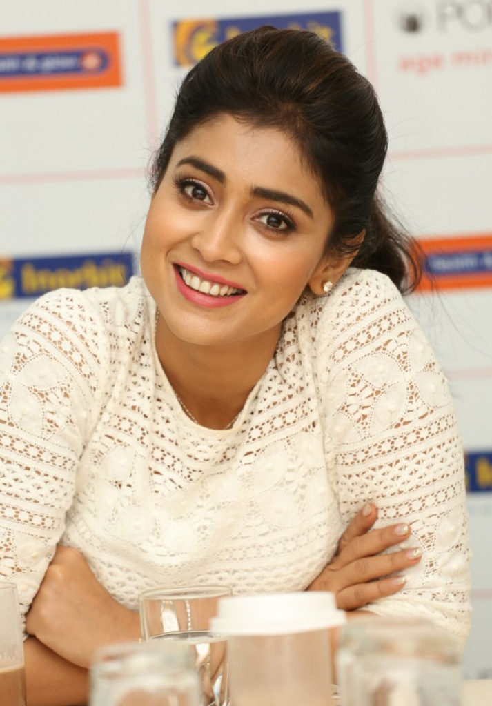 Shriya Saran Lovely Smiling Wallpapers