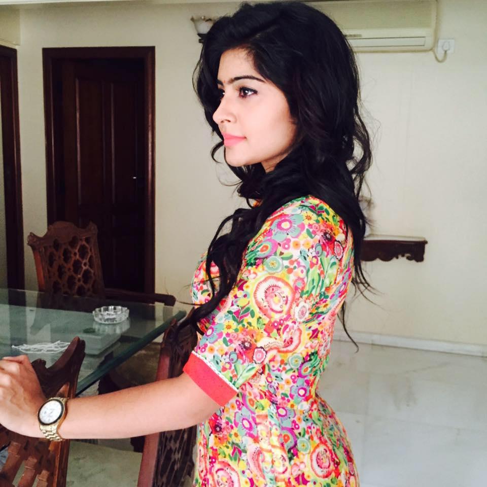 TV Actress Yukti Kapoor Images