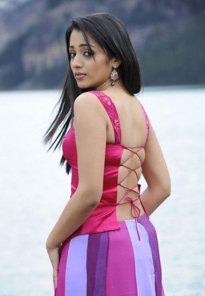 Trisha Krishnan Backless Cloths Pics HD