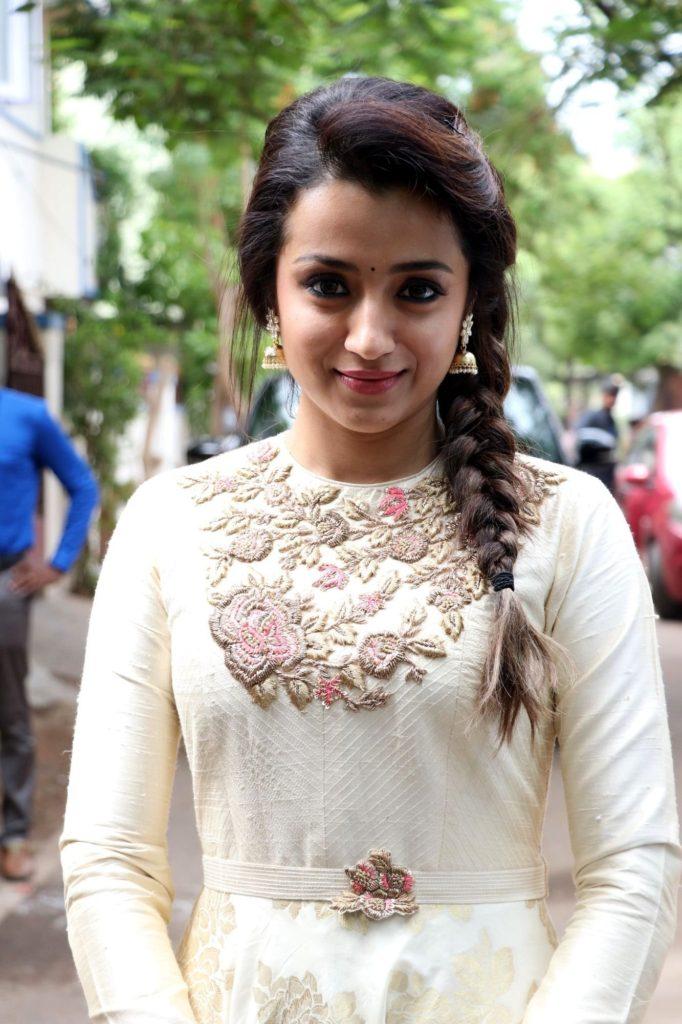 Trisha Krishnan Latest Hot HD Pictures Photoshoot