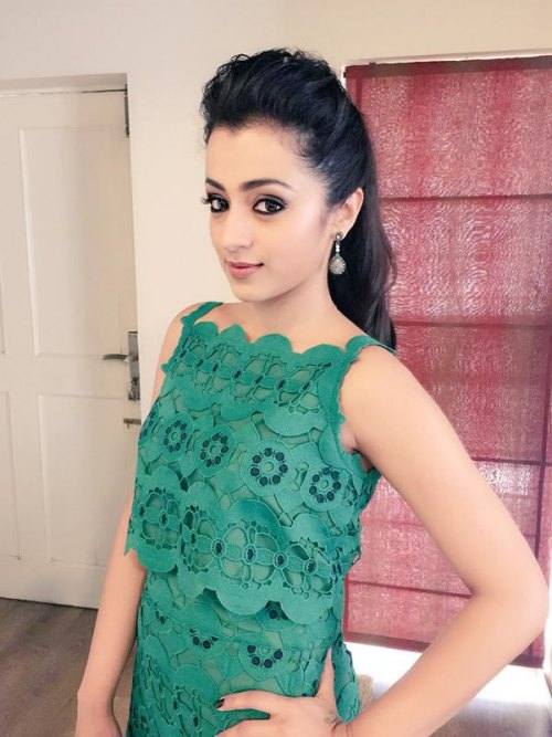Trisha Krishnan Sexy Pics