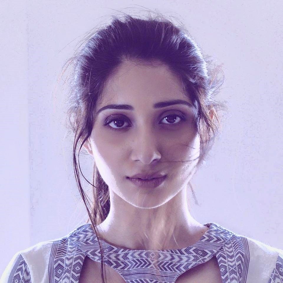 Vrushika Mehta Latest Hair Style Images